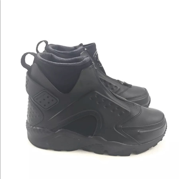 1cb4319da147 Nike Womens Air Huarache Run MID Black Sneakers